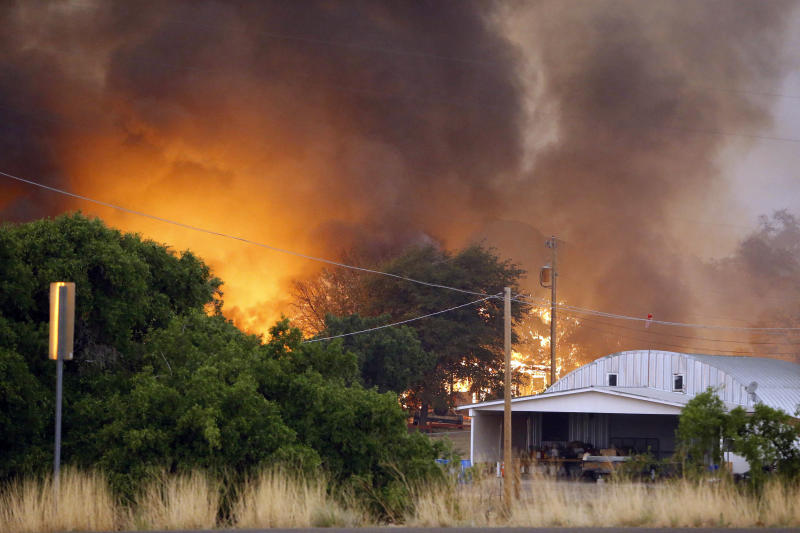Fast-moving Arizona wildfire kills 19 firefighters