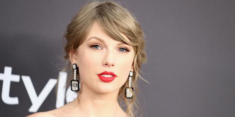 Taylor Swift's Ex-Label Denies She's Banned From Playing Old Songs on TV