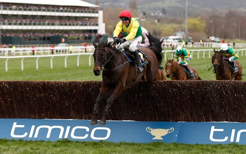 Sizing John en route to Gold Cup victory - -