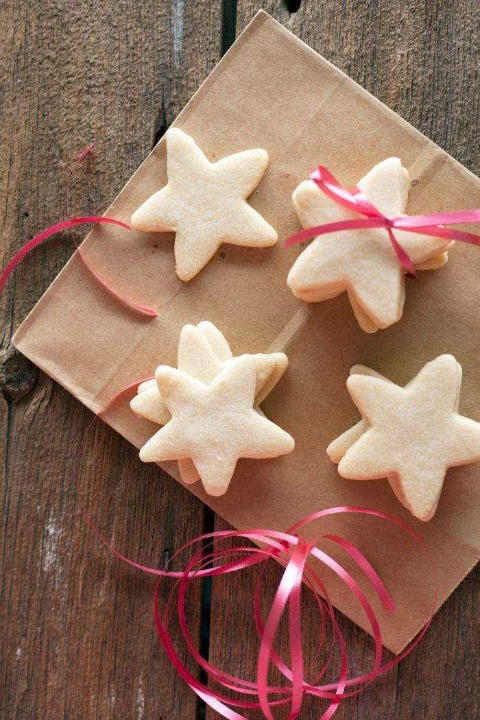 """<p> You'll have to taste it to believe it, but vegan shortbread cookies are <em>not </em>short of flavor. </p><p>Get the recipe from <a href=""""https://www.theedgyveg.com/2015/12/22/vegan-shortbread-cookies/"""" rel=""""nofollow noopener"""" target=""""_blank"""" data-ylk=""""slk:The Edgy Veg"""" class=""""link rapid-noclick-resp"""">The Edgy Veg</a>. </p>"""