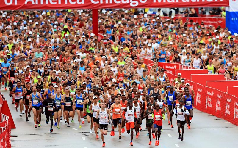 Runners kick off the 2018 Bank of America Chicago Marathon on October 7, 2018 in Chicago, Illinois. Mo Farah of Great Britain won in 2:05:11. - Andrew Weber