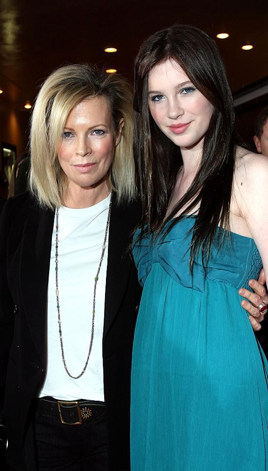 """<a href=""""http://movies.yahoo.com/movie/contributor/1800011707"""">Kim Basinger</a> and daughter Ireland at the Westwood premiere of <a href=""""http://movies.yahoo.com/movie/1810010670/info"""">Twilight</a> - 11/17/2008"""