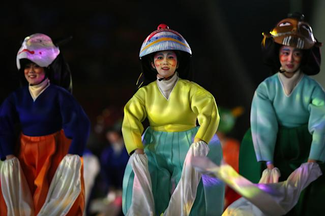 <p>Entertainers perform during the Closing Ceremony of the PyeongChang 2018 Winter Olympic Games at PyeongChang Olympic Stadium on February 25, 2018 in Pyeongchang-gun, South Korea. (Photo by Dan Istitene/Getty Images) </p>