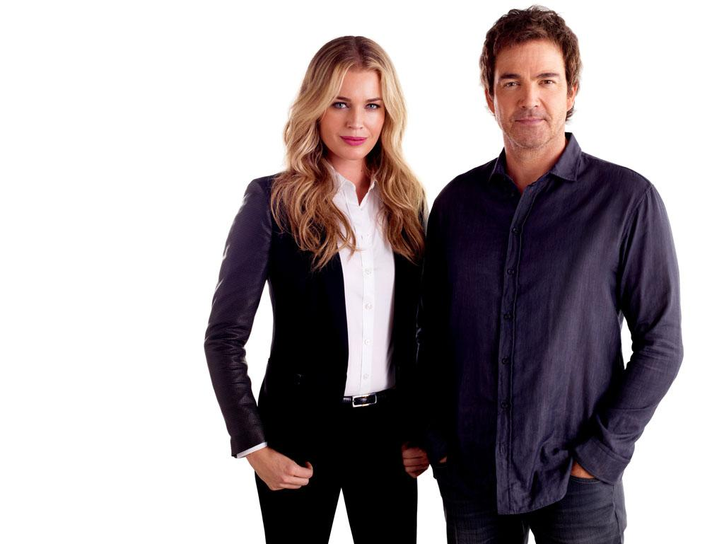 "Rebecca Romijn as Michelle Maxwell and Jon Tenney as Sean King in ""King & Maxwell"" Seaon 1."