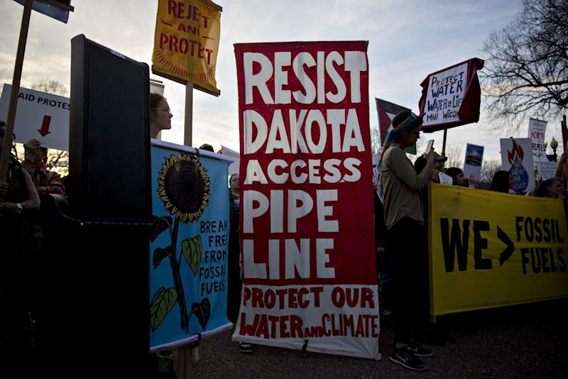 Energy Transfer Vows to Keep Pipeline Open After Court Order