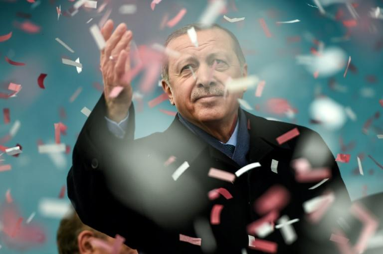 Turkey's President Recep Tayyip Erdogan has returned to the topic of the death penalty after winning a referendum to boost his powers