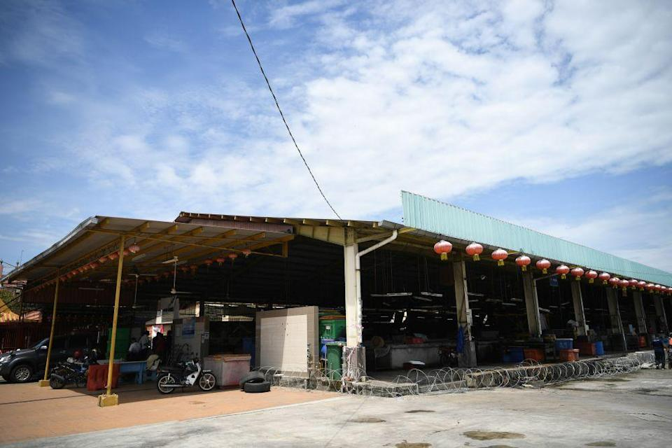 The Chai Leng Park Market was ordered to close yesterday until June 29 after 11 traders and workers tested positive for Covid-19. — Picture courtesy of MBSP