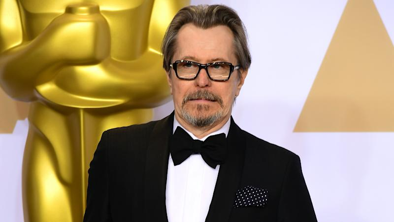 Gary Oldman in first look photos of David Fincher's new film Mank