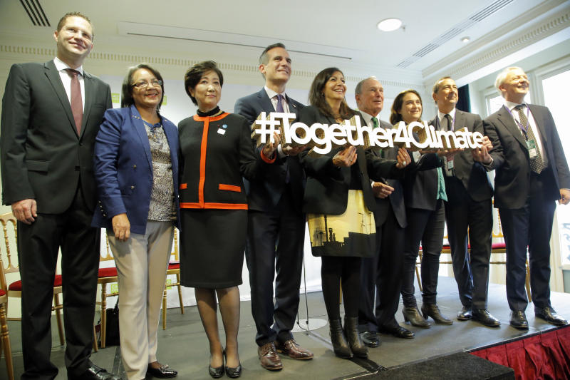World mayors pledge emissions-free cities by 2030