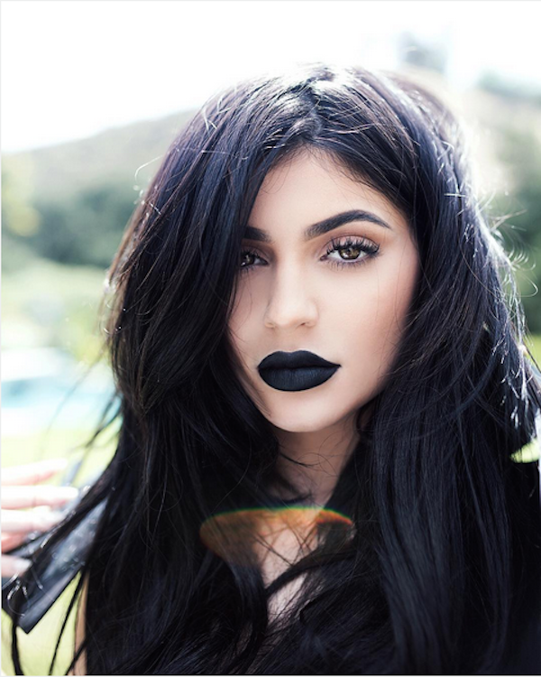 "<p>The social media star showed off her defined lips in the ""Dead of Knight"" shade from her new lip kit. <i>(Instagram/<a href=""https://www.instagram.com/kyliejenner/"" rel=""nofollow noopener"" target=""_blank"" data-ylk=""slk:kyliejenner"" class=""link rapid-noclick-resp"">kyliejenner</a>)</i></p>"