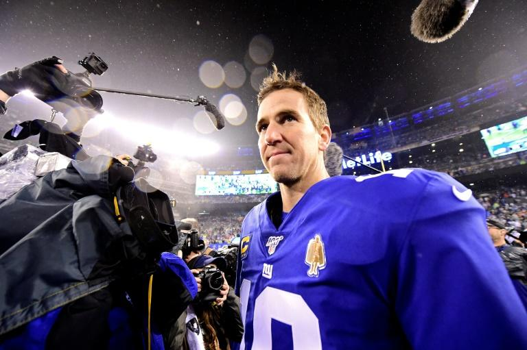 Quarterback Eli Manning, who led the New York Giants to two Super Bowl titles, is retiring after 16 NFL seasons, the team says