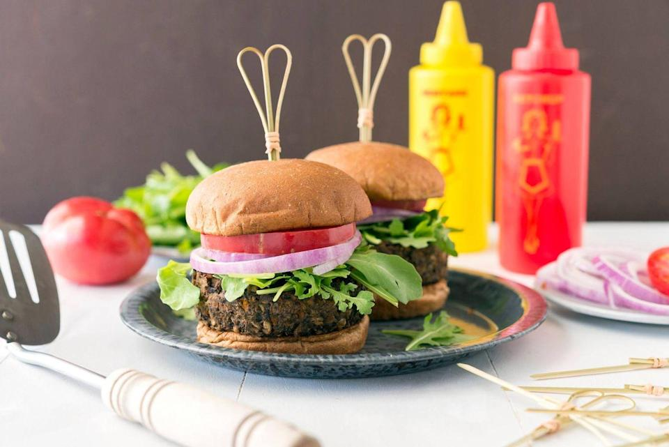 """<p>A lot of people complain eating vegetarian meals precludes them from enjoying classics like burgers, burritos, and bolognese. To that, <a href=""""https://go.redirectingat.com?id=74968X1596630&url=https%3A%2F%2Fwww.veestro.com%2F&sref=https%3A%2F%2Fwww.delish.com%2Ffood-news%2Fg25574529%2Fhealthy-meals-delivered%2F"""" rel=""""nofollow noopener"""" target=""""_blank"""" data-ylk=""""slk:Veestro"""" class=""""link rapid-noclick-resp"""">Veestro</a> fans shoot back, """"No, it doesn't!"""" The meal service is all about upping the number of plants you eat—even if you're not giving up meat altogether (though that's the eventual goal). The vegetarian meals can be tweaked to follow other special diets, too, including high-protein, gluten-free, and kosher.</p><p><strong>Sample meal:</strong> Kelp noodle Chinese chicken salad</p><p><strong>Where: </strong>Contiguous U.S.</p><p><strong>Cost:</strong> from $110/week</p>"""