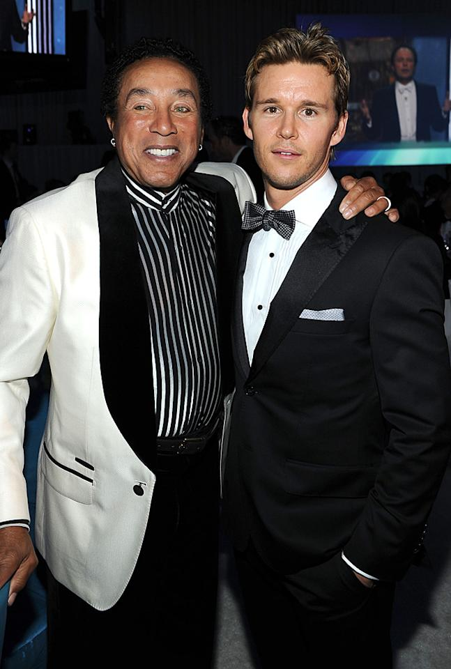 "Do you think ""True Blood"" hottie Ryan Kwanten could tell he was talking to living legend Smokey Robinson? With all that plastic surgery, it's hard to tell!"