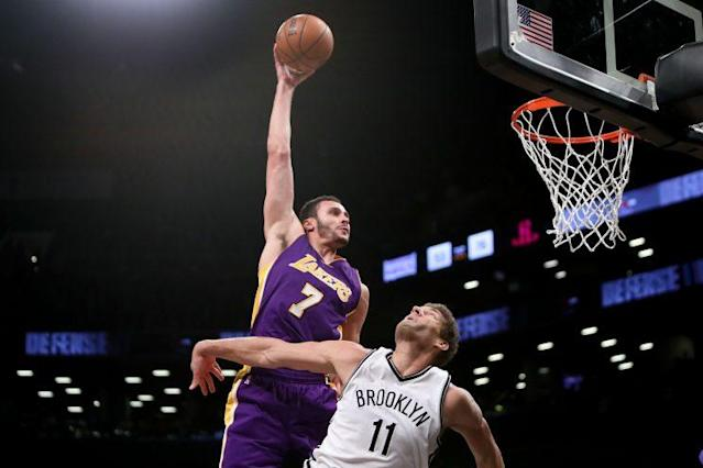 """<a class=""""link rapid-noclick-resp"""" href=""""/nba/players/5487/"""" data-ylk=""""slk:Larry Nance Jr."""">Larry Nance Jr.</a>'s dunk against the Nets is one of three finalists for Dunk of the Year."""