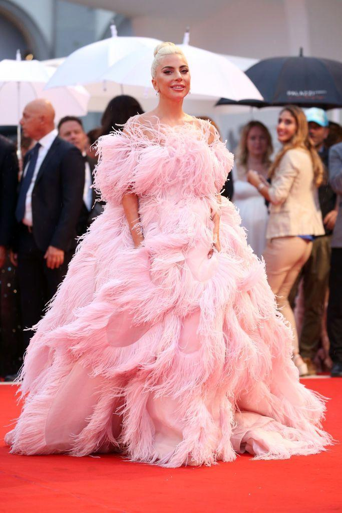 <p>The blonde wore a feathered pink gown by Valentino Haute Couture for the red carpet event.</p>