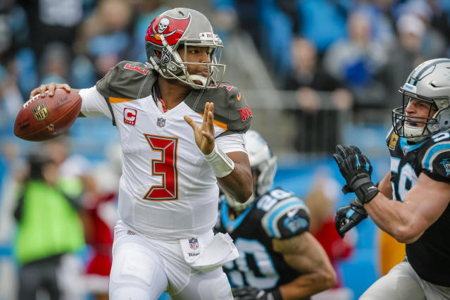 "<a class=""link rapid-noclick-resp"" href=""/nfl/players/28389/"" data-ylk=""slk:Jameis Winston"">Jameis Winston</a> highlights this week's look at whom to sit and start in fantasy leagues (AP Photo)."