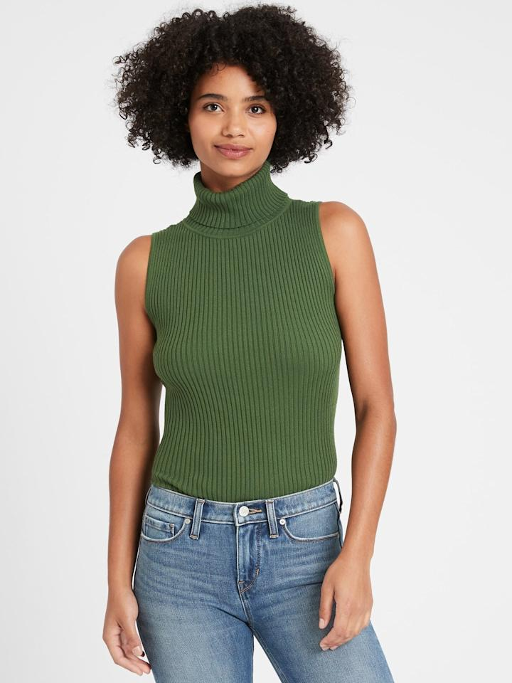 """<p>Pair this <product href=""""https://bananarepublic.gap.com/browse/product.do?pid=615240032&amp;cid=1014739&amp;pcid=1014739&amp;vid=1&amp;grid=pds_33_1080_1&amp;cpos=35&amp;cexp=1493&amp;kcid=CategoryIDs%3D1014739&amp;cvar=11207&amp;ctype=Listing&amp;cpid=res20101210791684521265181#pdp-page-content"""" target=""""_blank"""" class=""""ga-track"""" data-ga-category=""""internal click"""" data-ga-label=""""https://bananarepublic.gap.com/browse/product.do?pid=615240032&amp;cid=1014739&amp;pcid=1014739&amp;vid=1&amp;grid=pds_33_1080_1&amp;cpos=35&amp;cexp=1493&amp;kcid=CategoryIDs%3D1014739&amp;cvar=11207&amp;ctype=Listing&amp;cpid=res20101210791684521265181#pdp-page-content"""" data-ga-action=""""body text link"""">Turtleneck Sweater Tank</product> ($51, originally $65) with a brown plaid blazer for earthy fall vibes.</p>"""