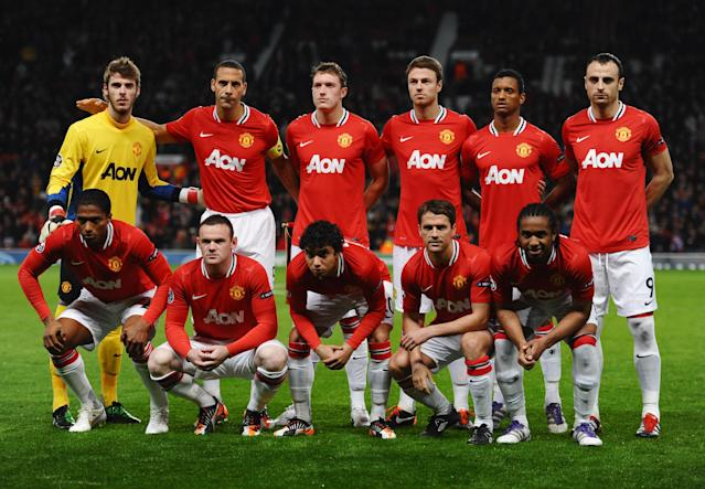 Manchester United line up prior to the UEFA Champions League Group C match between Manchester United and Otelul Galati at Old Trafford on November 2, 2011 in Manchester, England. (Photo by Laurence Griffiths/Getty Images)