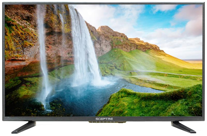 Save $100 on this HD TV. (Photo: Walmart)