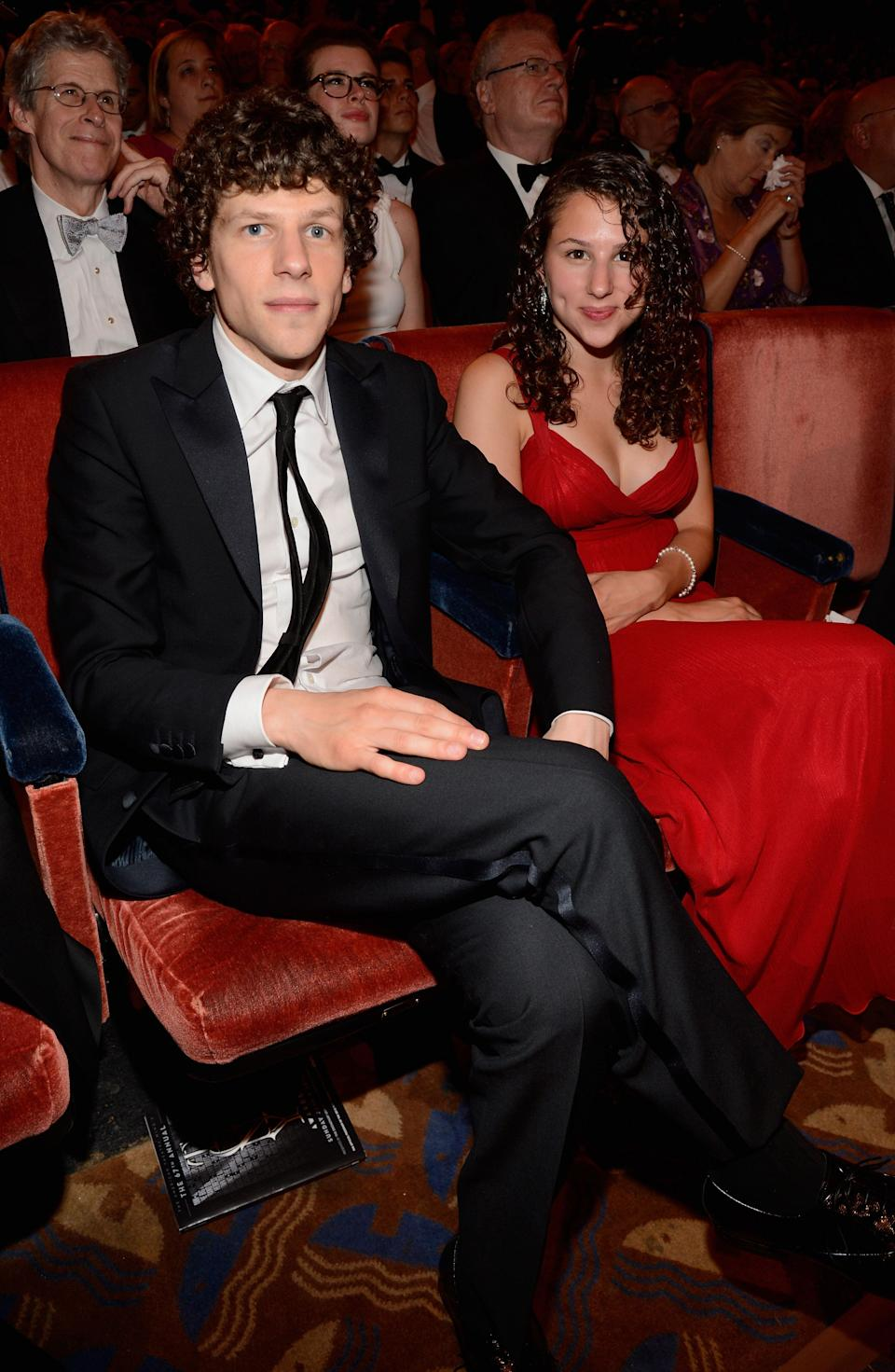 """Social Network"" actor <a href=""https://www.huffpost.com/topic/jesse-eisenberg"" target=""_blank"" rel=""noopener noreferrer"">Jesse Eisenberg's</a> little sister is Hallie Eisenberg, best known for portraying ""The Pepsi Girl"" in a series of Pepsi <a href=""https://www.youtube.com/watch?v=VAs81k8o398"" target=""_blank"" rel=""noopener noreferrer"">commercials in the '90s.</a>"