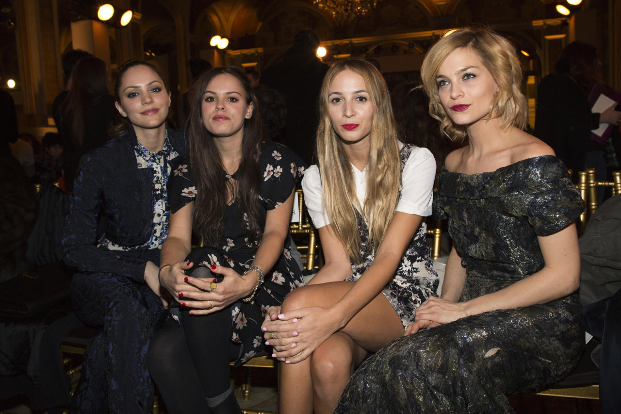 Singer and actress Katharine McPhee (L) poses with models and DJs Atlanta de Cadenet-Taylor (2nd L), Harley Viera-Newton and Leigh Lezark (R) at the presentation of the Zac Posen Autumn/Winter 2013 collection during New York Fashion Week February 10, 2013. REUTERS/Andrew Kelly (UNITED STATES - Tags: FASHION ENTERTAINMENT) - RTR3DMAN