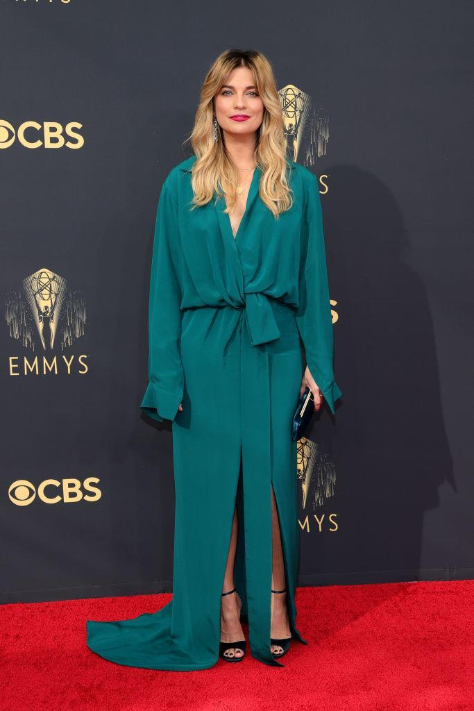 Annie Murphy attends the 73rd Primetime Emmy Awards on Sept. 19 at L.A. LIVE in Los Angeles. (Photo: Rich Fury/Getty Images)