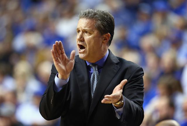 LEXINGTON, KY - FEBRUARY 15: John Calipari the head coach of the Kentucky Wildcats gives instructions to his team during the game against the Florida Gators at Rupp Arena on February 15, 2014 in Lexington, Kentucky. (Photo by Andy Lyons/Getty Images)