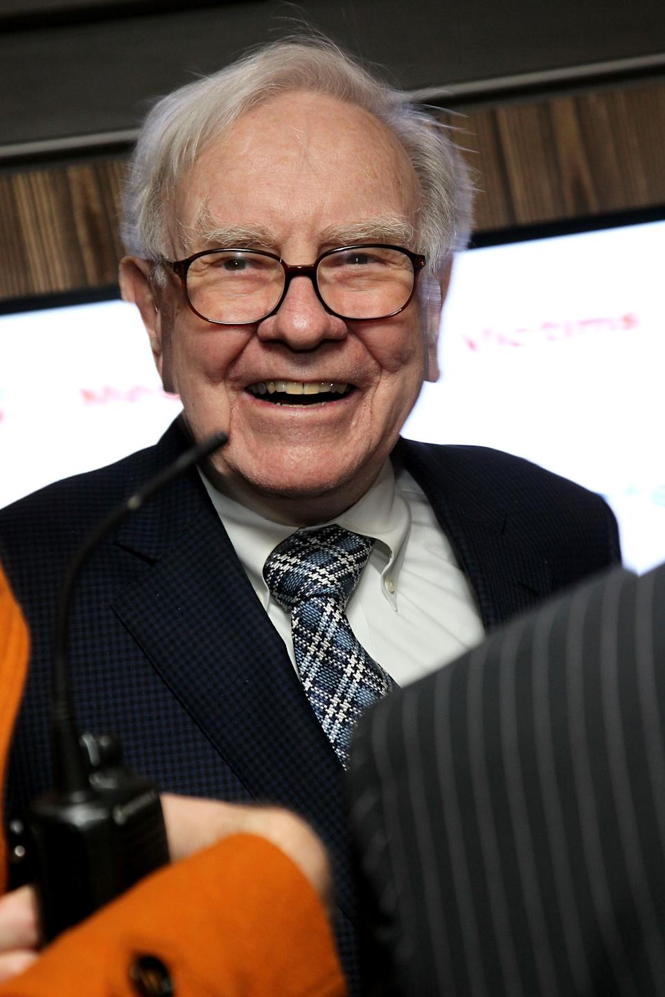<b>Warren Buffett </b> lives a modest lifestyle despite his net worth of around $44 billion. He purchased a five-bedroom house in Omaha in 1958 for $31,500 and has lived there ever since. Buffett doesn't spend his money on electronics and reportedly doesn't carry a cell phone or have a computer at his desk.