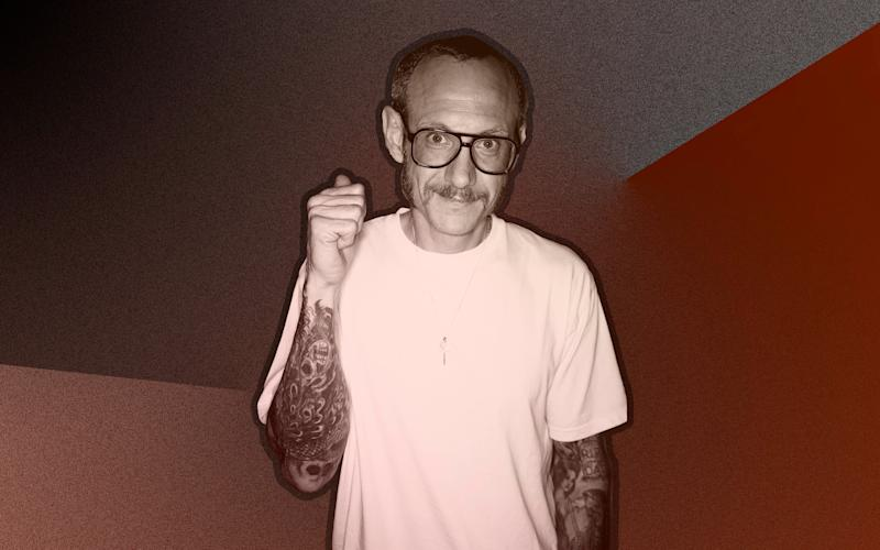 Photographer Terry Richardson used a professional coffee meeting to corner and assault designer Lindsay Jones, she says.