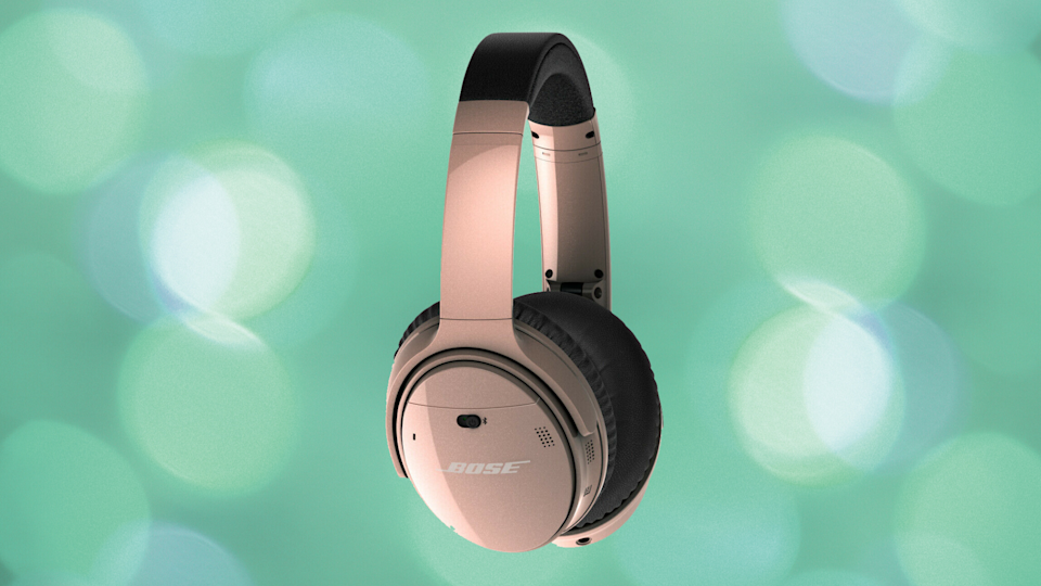 These wireless headphones are on sale for almost 40 percent off. (Photo: Bose)