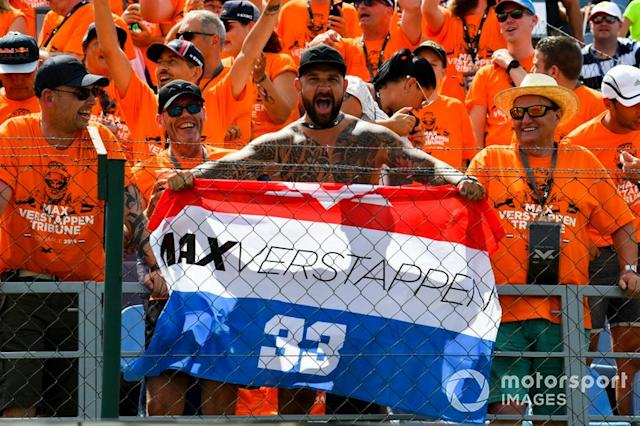 "Fans de Max Verstappen, Red Bull Racing <span class=""copyright"">Mark Sutton / Sutton Images</span>"