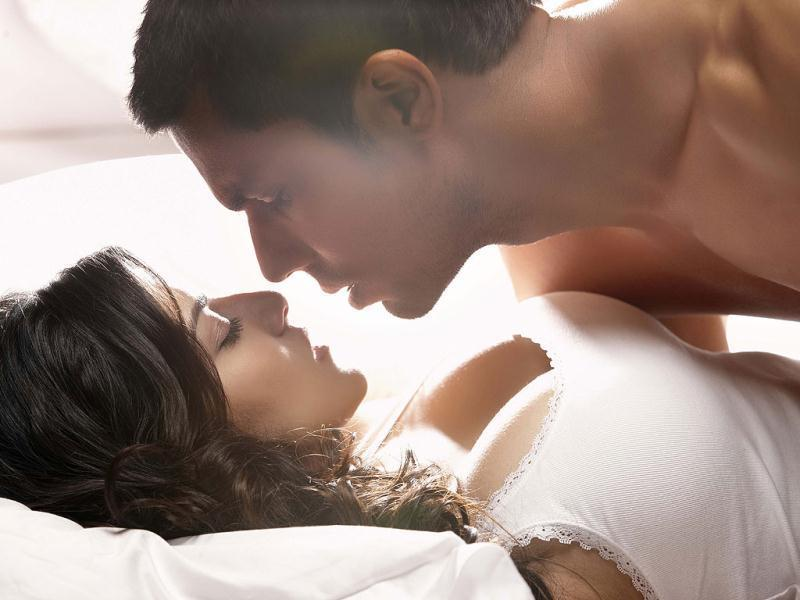 Best Love-Making Scenes Of Bollywood-9771