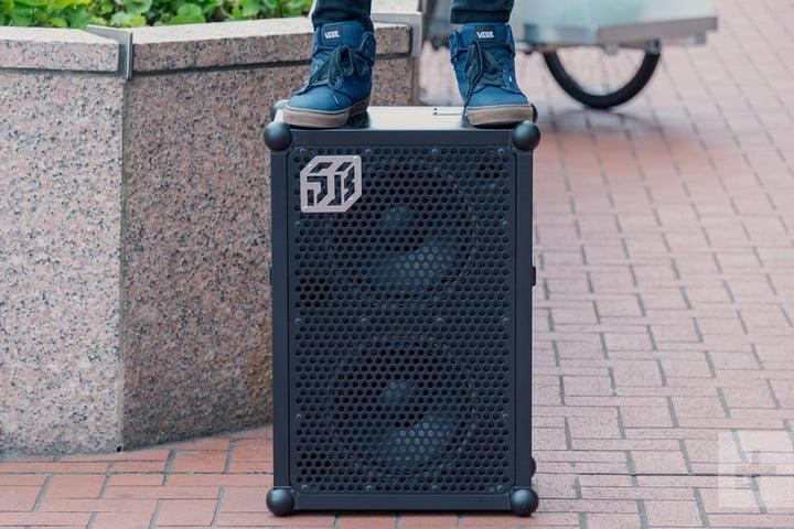 soundboks 2 speaker stand on