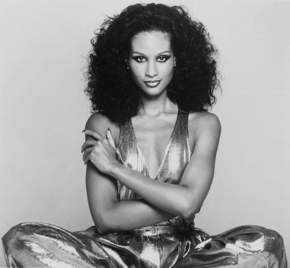 <p>While some women preferred defined waves, many women desired a curlier, more voluminous style like that of supermodel Beverly Johnson.</p>