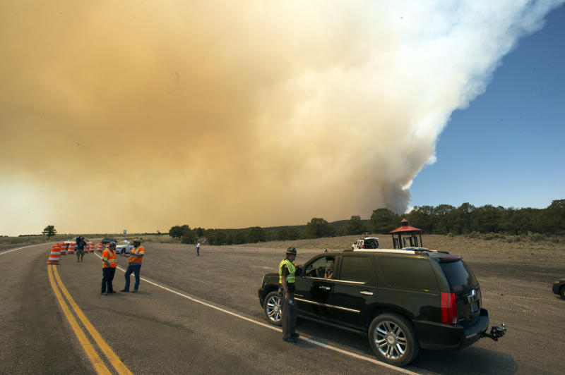 Southern Utah wildfire grows, crews make slight gains