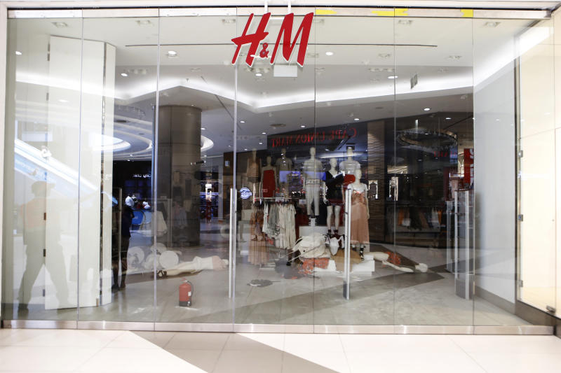 <strong>H&M said it had withdrawn from sale a green hoodie with the inscription 'coolest monkey in the jungle' after an ad featuring a black child triggered racism accusation.</strong> (WIKUS DE WET via Getty Images)