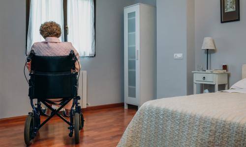 Covid ban on care home visitors risks premature deaths, experts warn