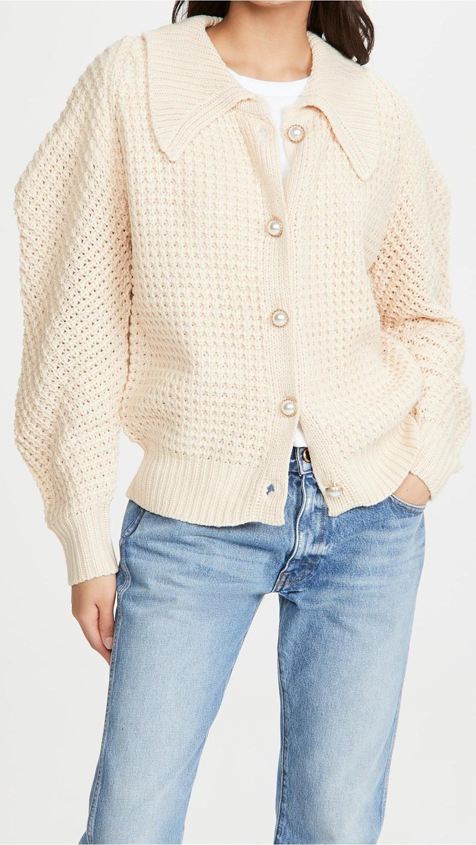 <p>The pearly buttons add a touch of luxe to this <span>Moon River Collared Puff Sleeve Sweater</span> ($81).</p>