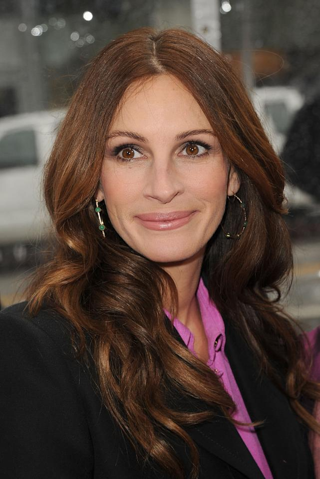HOLLYWOOD, CA - MARCH 17:  Actress Julia Roberts attends the 'Mirror Mirror' premiere at Grauman's Chinese Theatre on March 17, 2012 in Hollywood, California.  (Photo by Jason Merritt/Getty Images)
