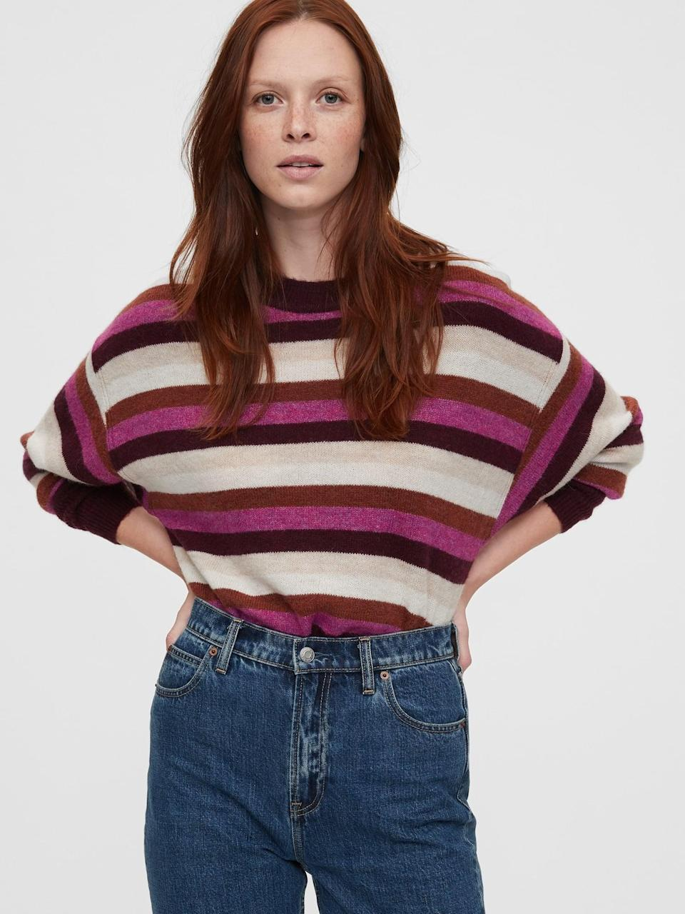 <p>Try the playful stripes of these <span>Gap Dolman Crewneck Sweater</span> ($42). Pair with boyfriend jeans for a laid back look.</p>