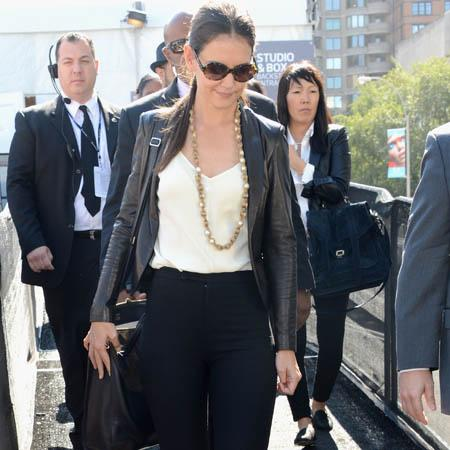 Katie Holmes in NYFW riddle