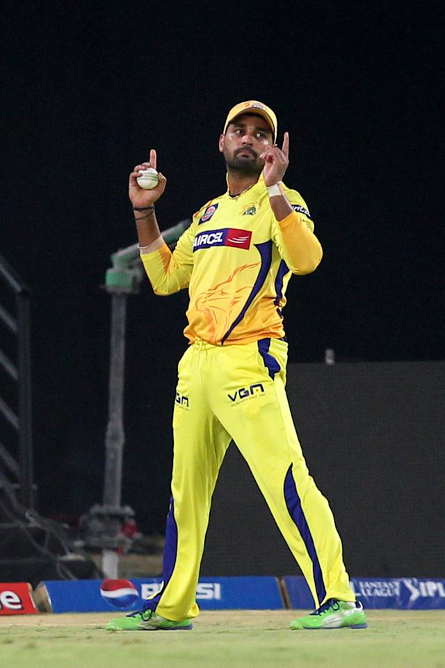 Murali Vijay takes a catch to dismisss Hanuma Vihari during match 54 of the Pepsi Indian Premier League between The Sunrisers Hyderabad and Chennai Superkings held at the Rajiv Gandhi International  Stadium, Hyderabad  on the 8th May 2013Photo by Prashant Bhoot-IPL-SPORTZPICS Use of this image is subject to the terms and conditions as outlined by the BCCI. These terms can be found by following this link:https://ec.yimg.com/ec?url=http%3a%2f%2fwww.sportzpics.co.za%2fimage%2fI0000SoRagM2cIEc&t=1493138479&sig=ZSGytG_toEHonftTw_wASg--~C