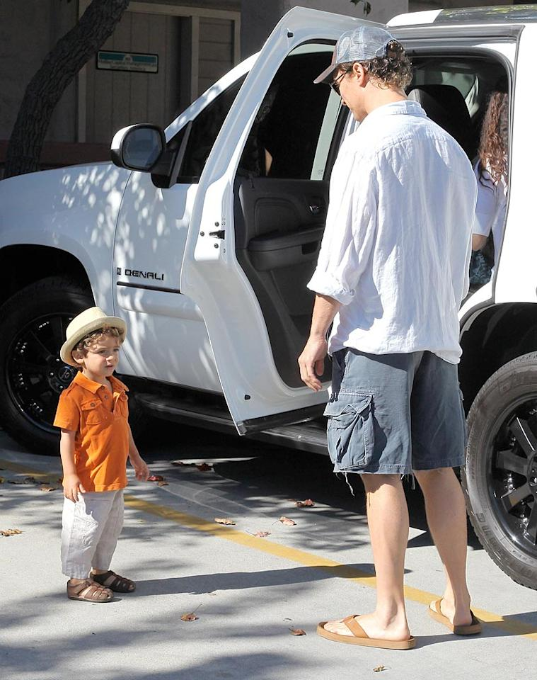 """Little Levi's proved he's already adopted his dad's laid-back sense of style, including a love for hats and sandals. They're just the thing to wear while saving the world, one animal or eco-project at a time! <a href=""""http://www.x17online.com"""" target=""""new"""">X17 Online</a> - August 14, 2010"""