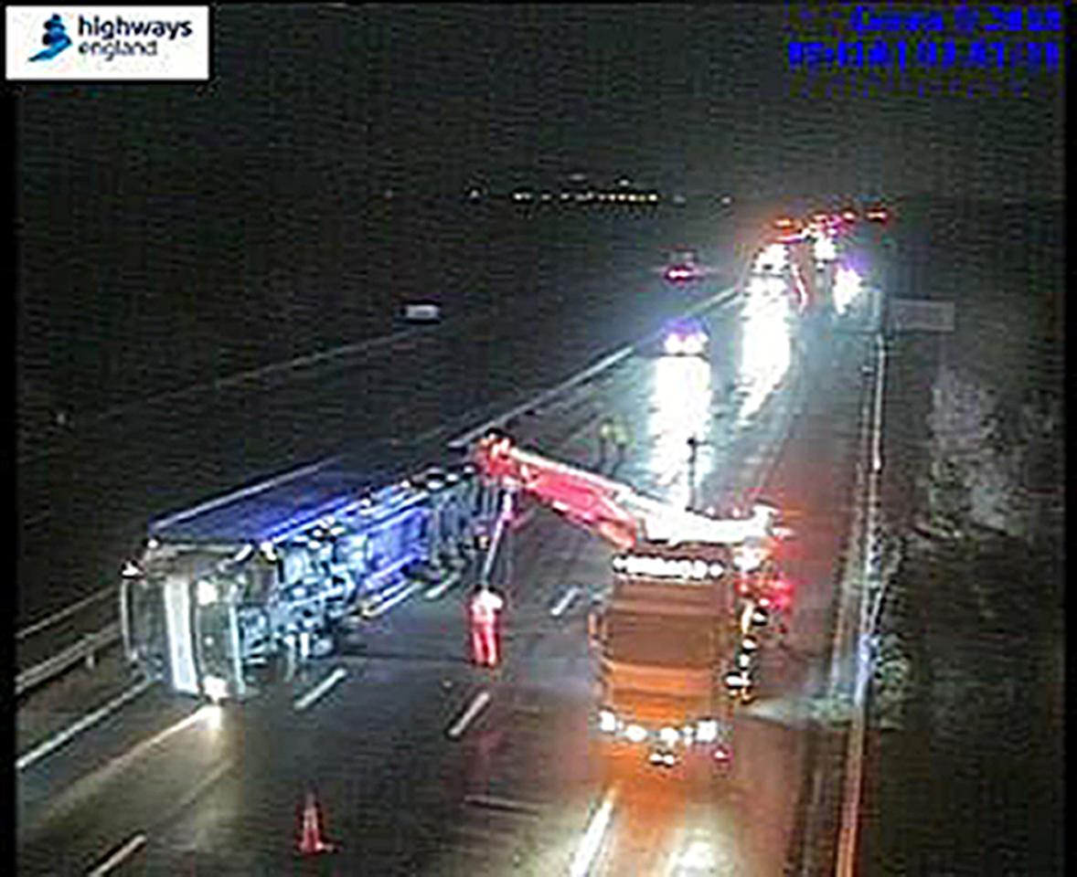 <p>An overturned HGV causes chaos on Junction 9-8 of the M5 </p>