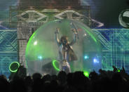 "Musician Wayne Coyne of 'The Flaming Lips' performs at the VH1 Rock Honors ""The Who"" on Saturday July 12, 2008 in Los Angeles. (AP Photo/Chris Pizzello)"