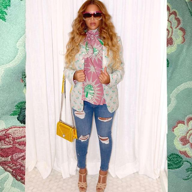"<p>For a night out with the girls, Beyoncé dressed up her ripped jeans. (Photo: <a href=""https://www.instagram.com/p/BTy-TXHAyhO/?taken-by=beyonce"" rel=""nofollow noopener"" target=""_blank"" data-ylk=""slk:Beyoncé via Instagram"" class=""link rapid-noclick-resp"">Beyoncé via Instagram</a>) </p>"