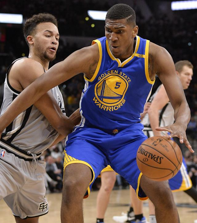 Kevon Looney and other Warriors reserves played extended minutes Saturday. (AP)