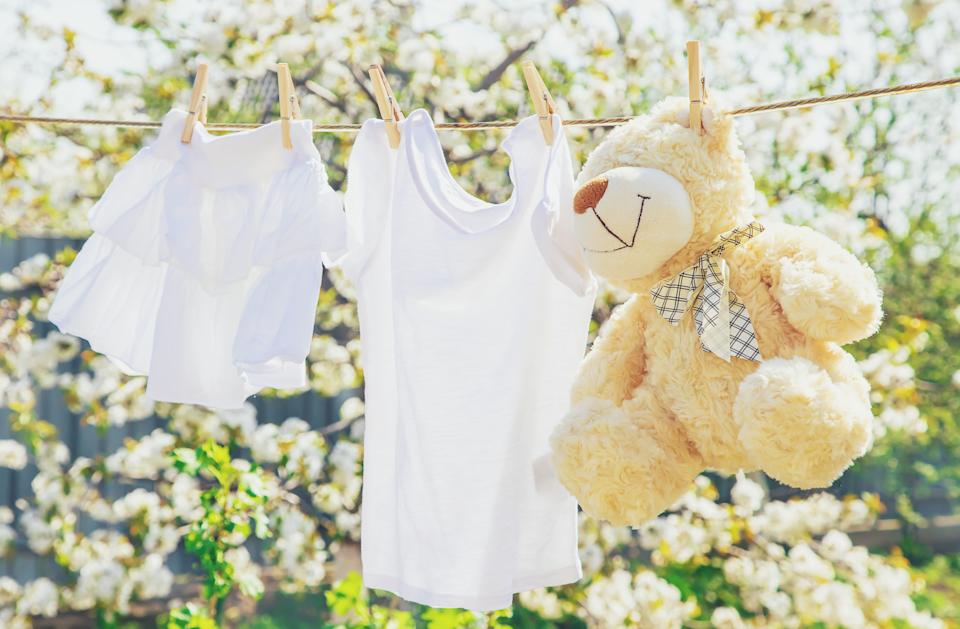 Experts recommend fragrance and dye-free laundry detergent to reduce allergies (Photo:Getty)