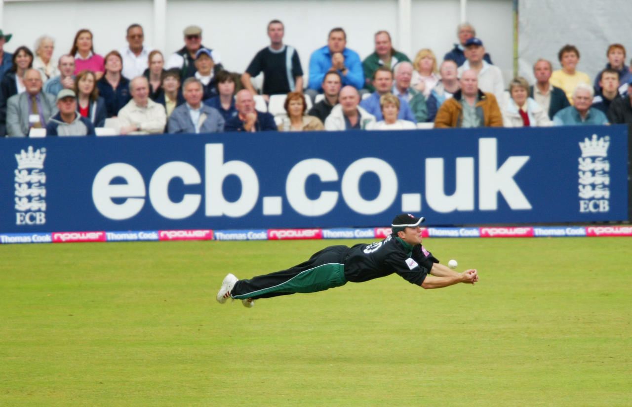 WORCESTER, ENGLAND - JULY 15:  Worcestershire fielder Stephen Moore narrowly avoids catching Matthew Maynard, during the Twenty 20 Cup game between the Worcestershire Royals and the Glamorgan Dragons at County Ground on July 15, 2004 in Worcester, England. (Photo by Stu Forster/Getty Images)