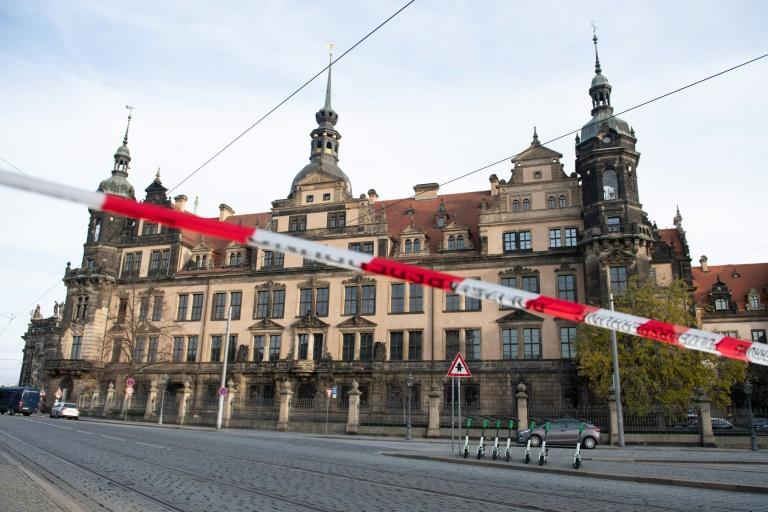 A police cordon hangs in front of the Royal Palace that houses the historic Green Vault (Gruenes Gewoelbe) in Dresden, eastern Germany